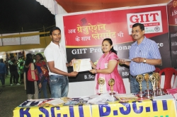Arjun Singh Student of BSc IT(1st Year) has been awarded Best Performance award for his Excellent Managing Ability in organizing Event in Swadeshi Mela
