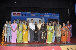 ASHISH BATRA, INDIA'S LEADING MOTIVATOR WITH GIIT STUDENTS IN THE YEAR 2011